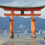 Apparently it's one of the Top 3 Most Photographed Sites in Japan. [2010/09/21 - Miyajima]