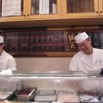 Come on...where's my sushi... [2010/09/28 - Tokyo/Sushi-dai @ Tsukiji]