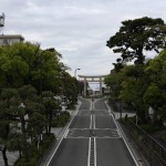 069-In_Kamakura_Well_at_home_they_might_have_route_traffic_around_an_inconveniently_placed_historial_building_Here_they_have_toriis-20160429_073850_6d_img_3248_down1920