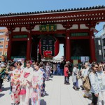 085-Back_in_Tokyo_with_still_half_a_day_left_So_where_do_you_go_Asakusa_which_as_usual_is_full_of_tourists-20160429_115844_6d_img_3373_pp_cropped_qual100_down1920